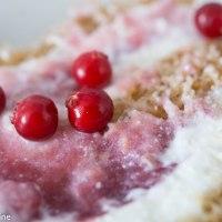 Estonian Kama roll with Cowberries. Kama ja pohlarull