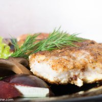 Pork Chops dipped in Kama in Plum Sauce. Kamapaneeringuga siga ploomikastmes.