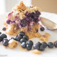 Crunchy Marzipan and Bilberry Cake. Marjakook martsipaniga
